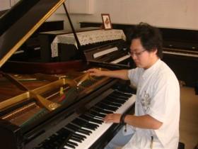 钢琴每年需要调律几次呢