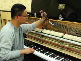 """钢琴""""琴键不起""""的自我检修"""