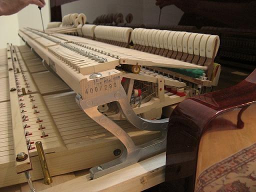 钢琴调律.jpg